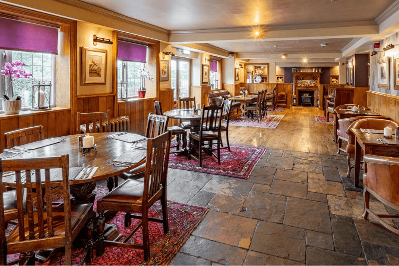 Dog-friendly hotel and restaurant in Cheshire